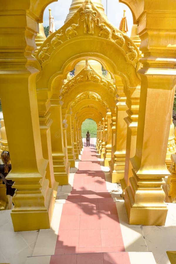 Красивое сдобренное измерение дверей в Таиланде стоковые изображения rf