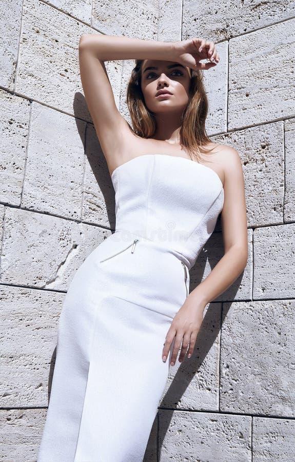 Модель сексуального платья