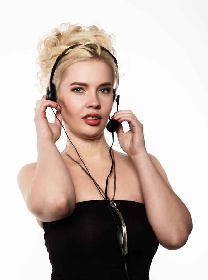 Красивое тело сексуальной элегантной женщины диспетчер центра телефонного обслуживания службы технической поддержки стоковое фото rf