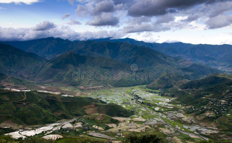Красивое террасное поле риса в Mu Cang Chai, Вьетнаме стоковые фото