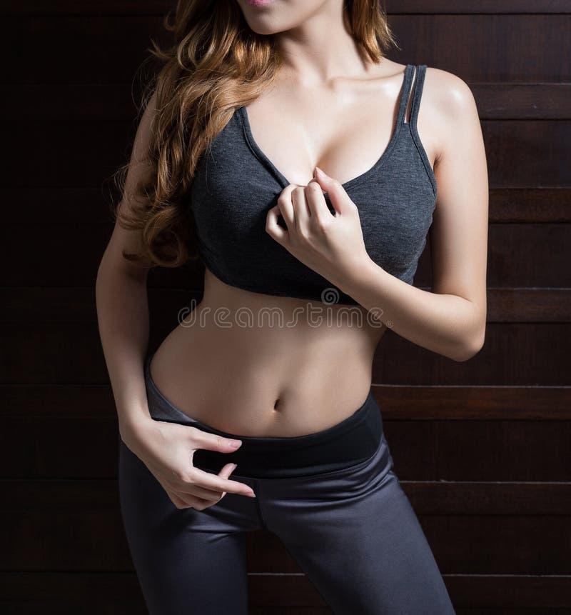 Красивое тонкое тело женщины стоковое изображение rf