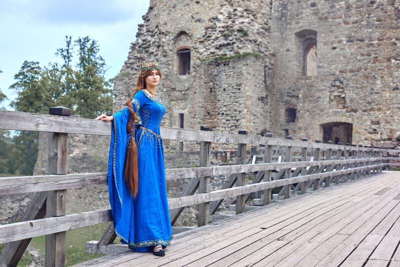 Красивое Элеанора Аквитании, duchess и ферзь Англии и Франции на высоких средних возрастах стоковые изображения