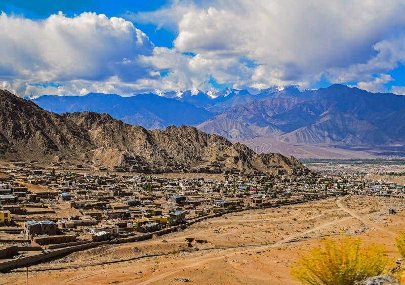 Красивое leh города в Джамму и Кашмир стоковая фотография rf