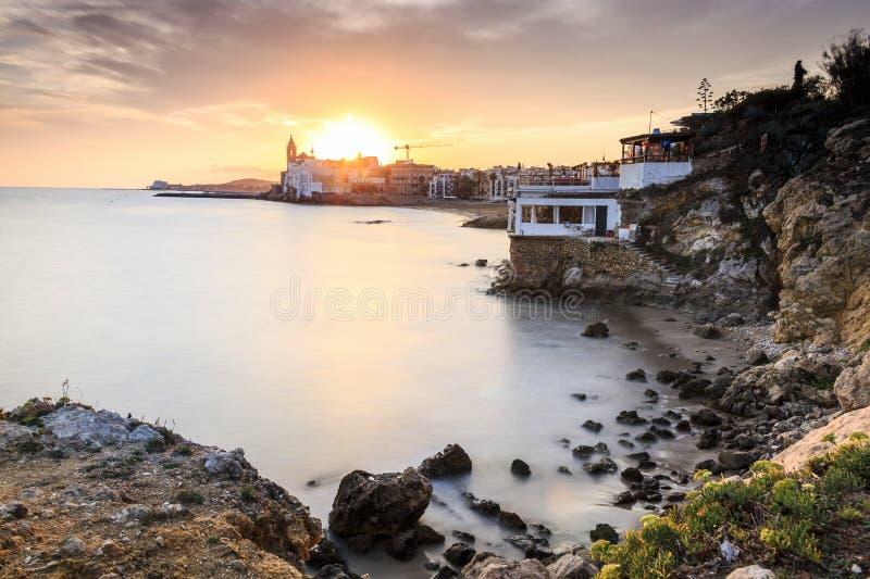 Красивое Sitges на заходе солнца, Каталонии, Испании стоковое фото