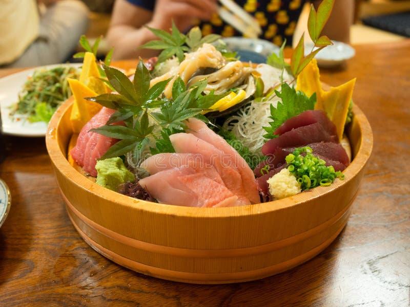 Download Красиво представленный диск суш в токио Стоковое Изображение - изображение насчитывающей море, туна: 81802453