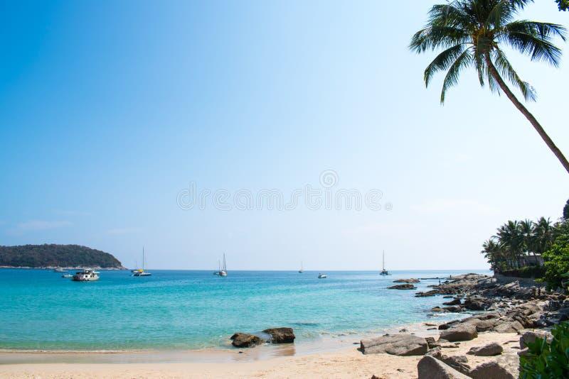 Красивые взгляды пляжа моря в Таиланде стоковое изображение