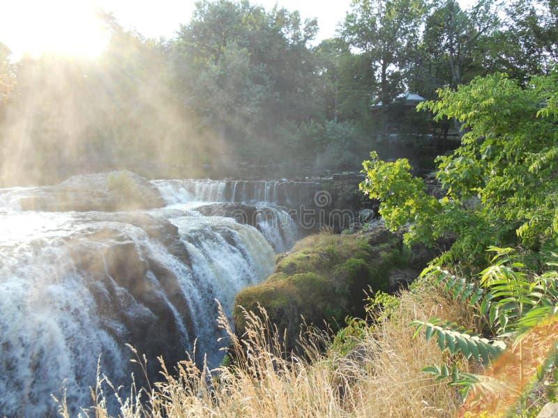 Красивые водопады реки Нью-Йорка стоковое фото rf
