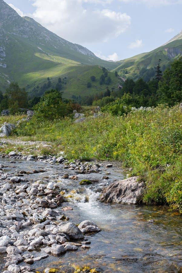 Красивые горы северные - западный Кавказ Adygea стоковая фотография