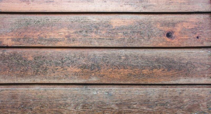 Красивые деревянные планки с узлами Древесина с политурой для пользы как предпосылка текстуры стоковые изображения