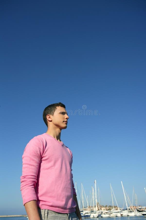 красивые детеныши лета человека гавани стоковое изображение rf