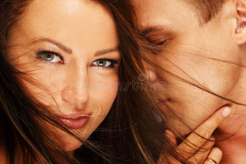 Красивые молодые пары стоковая фотография