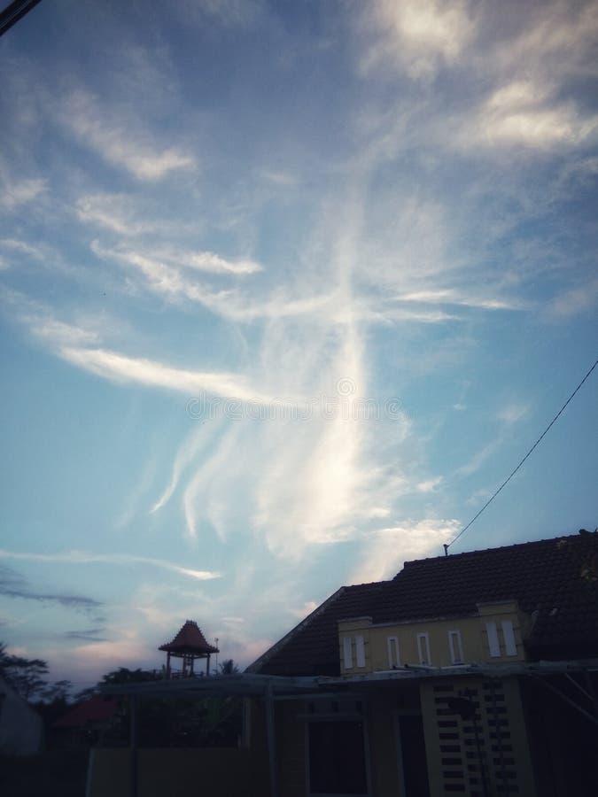 Красивые облака в небе стоковые изображения rf