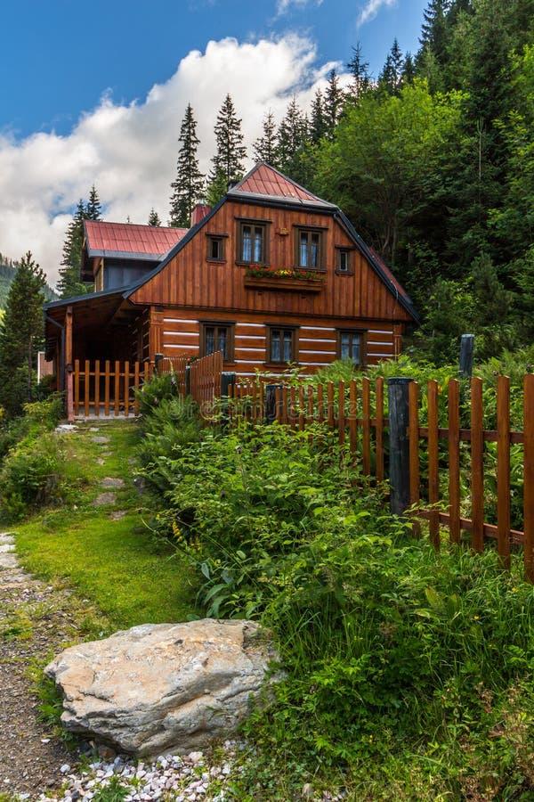 Дом в горах чехии домик на кипре