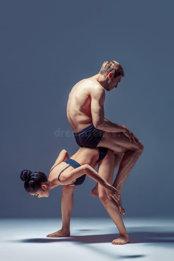 Красивые пары танцоров стоковая фотография rf