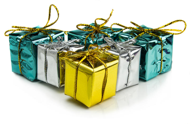 Красивые подарки на рождество изолированные на белой предпосылке стоковая фотография rf