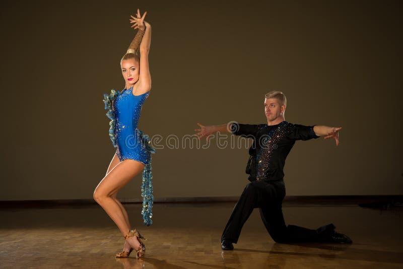 танцующих профессиональные фото