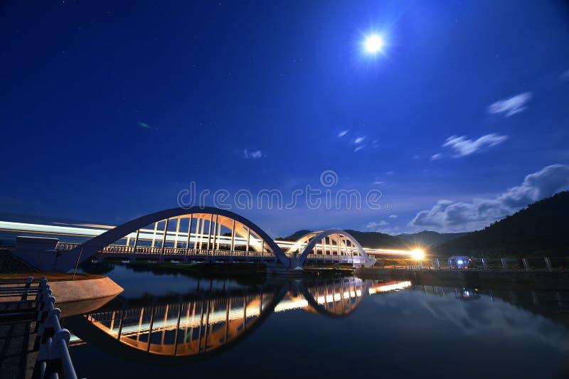 Красивые света мостов стоковое фото