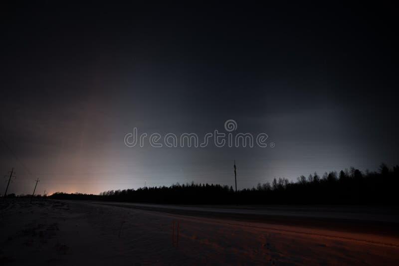 Красивые светлые штендеры в зиме стоковые фото