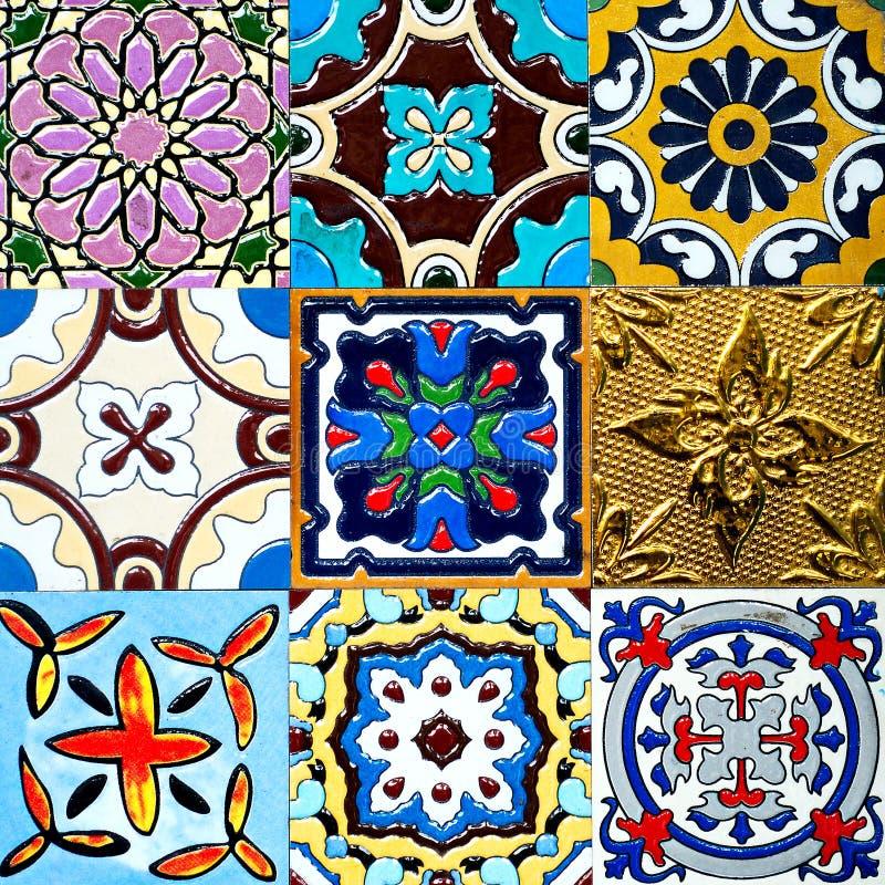 Красивые старые картины керамических плиток стены handcraft от публики Таиланда стоковые изображения rf