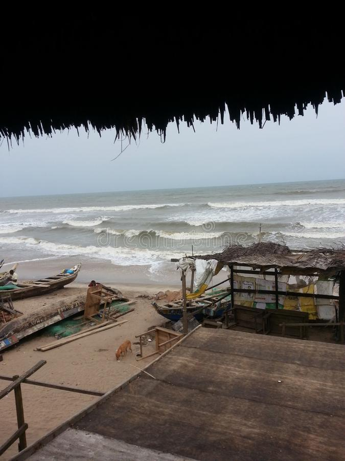 Красивые сторона моря и море соткут стоковые фото