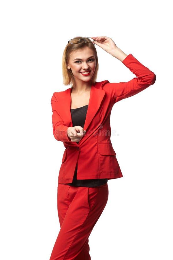 Красивые усмехаясь зрелища бизнес-леди нося и в r стоковые фото