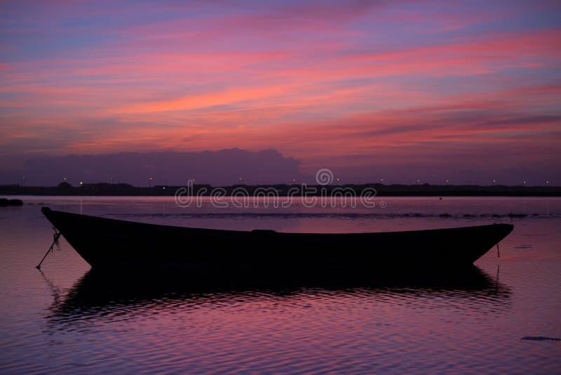 Красивые цвета захода солнца стоковые фото