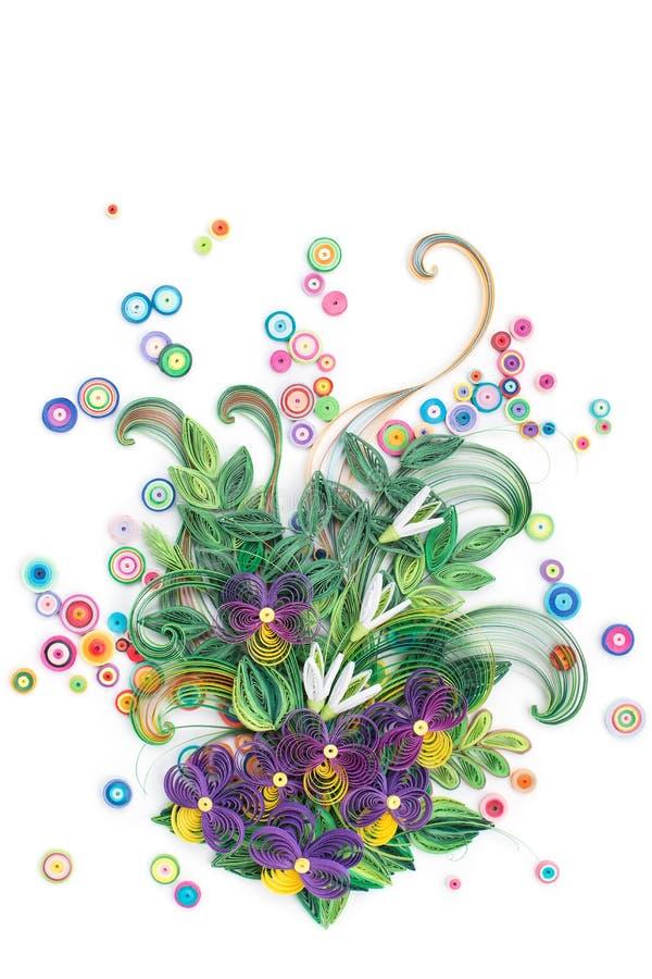 Красивые цветки сделанные в quilling искусстве стоковые фото
