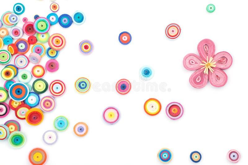 Красивые цветки сделанные в quilling искусстве стоковое изображение rf