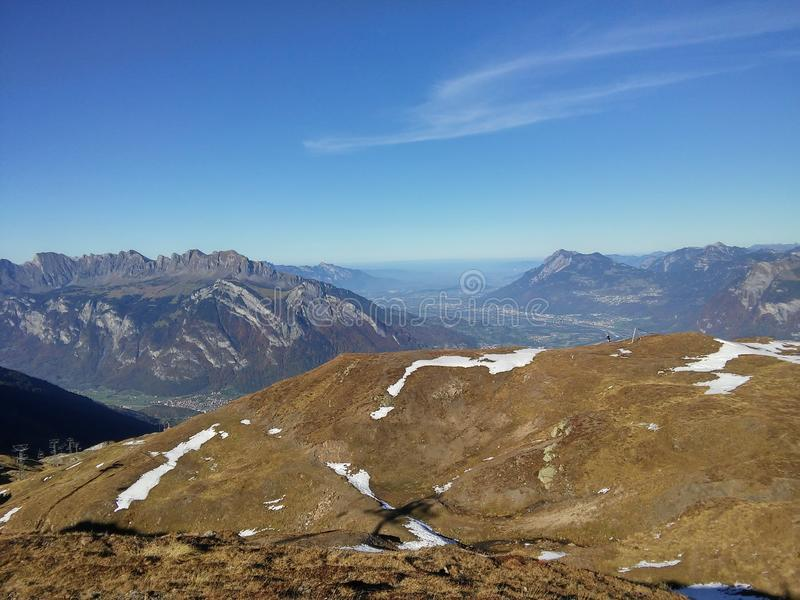Красивые швейцарские горы, свежий воздух стоковое фото