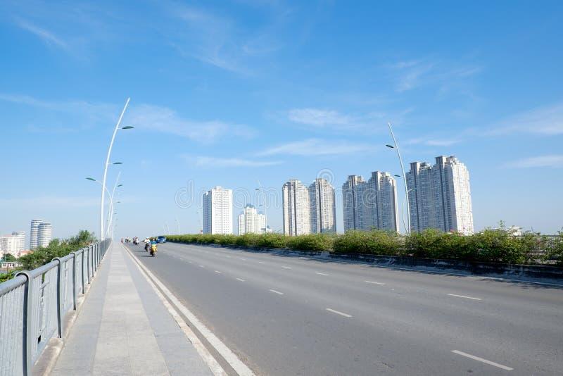 Красивый ландшафт в утре моста Thu Thiem Хошимина стоковые фото