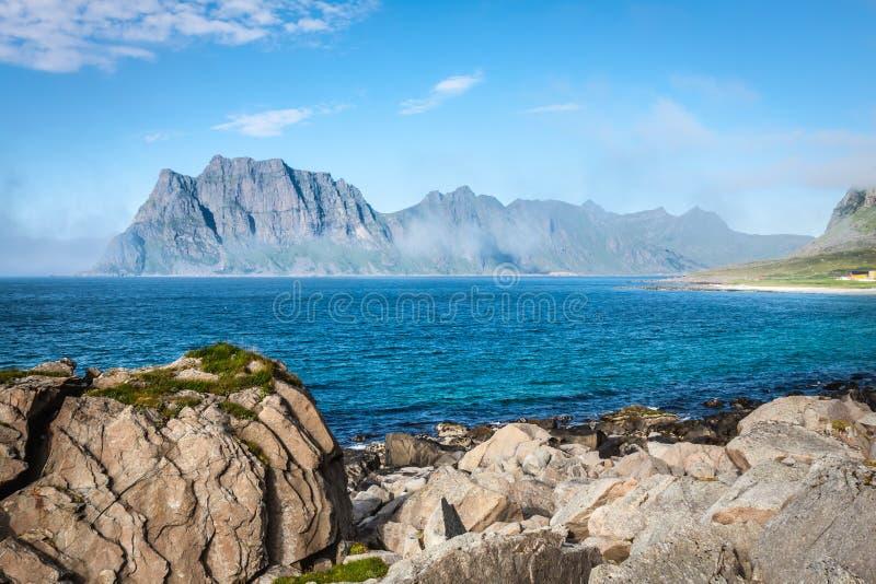 Download Красивый ландшафт Норвегии, Скандинавии Стоковое Фото - изображение насчитывающей океан, поход: 40580412