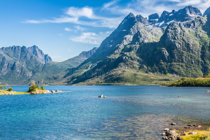 Download Красивый ландшафт Норвегии, Скандинавии Стоковое Фото - изображение насчитывающей фьорд, поход: 40581764