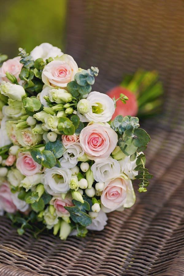 Красивый букет свадьбы, свадьба floristry Стильная невеста букета свадьбы стоковое фото rf