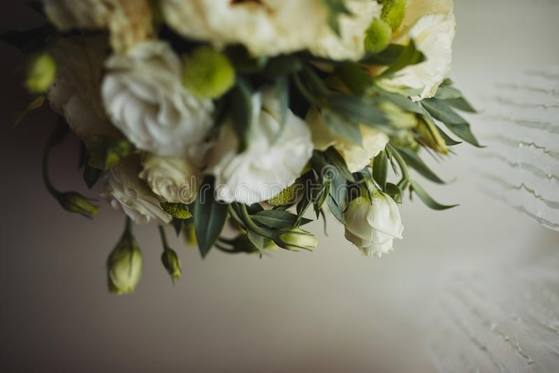 Красивый букет свадьбы, свадьба floristry Стильная невеста букета свадьбы r Оформление свадьбы стоковая фотография