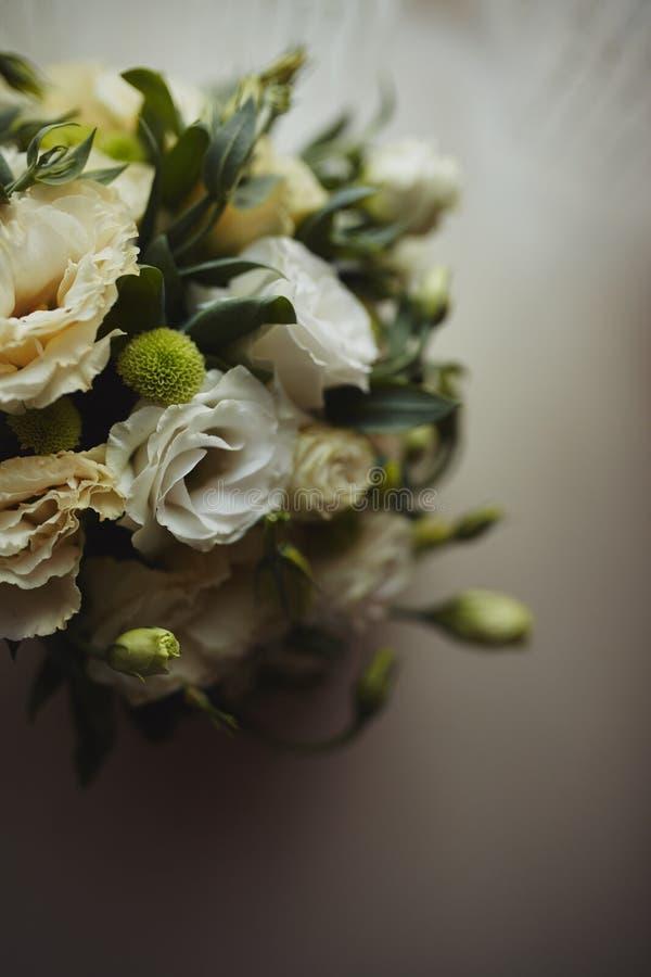Красивый букет свадьбы, свадьба floristry Стильная невеста букета свадьбы r Оформление свадьбы стоковые фото