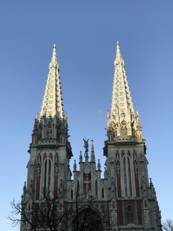 Красивый взгляд на соборе St Nicholas римско-католическом в Kyiv стоковое изображение rf