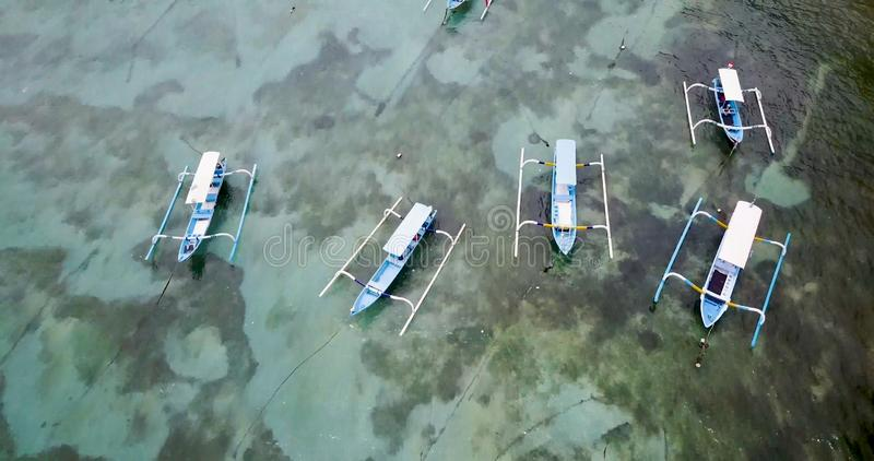 Красивый вид береговой линии с водой бирюзы стоковые фотографии rf