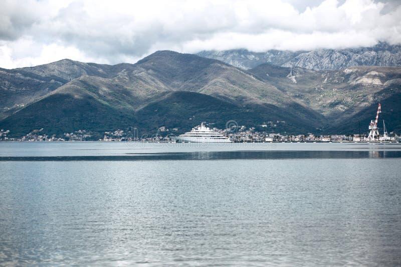 Красивый вид в Черногории стоковое фото