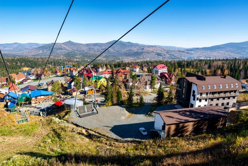 Красивый вид горнолыжного курорта стоковое фото