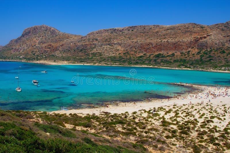 Красивый вид пляжа Balos на острове Крита, Греции Кристально ясная вода и белый песок стоковая фотография