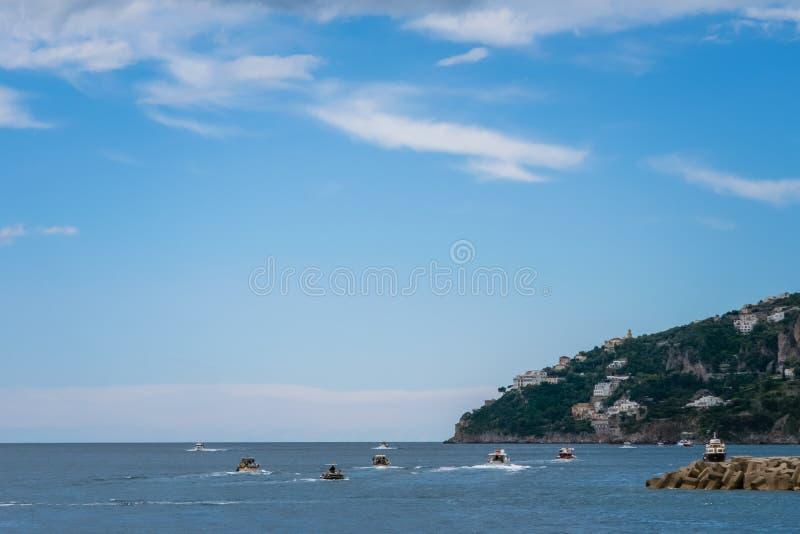 Красивый вид порта Coppola Марины Амальфи в провинции Salerno, регион кампании, побережья Амальфи, Costiera Amalfitana стоковые изображения