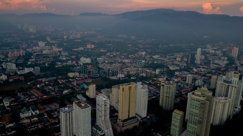 Красивый вид с воздуха городского пейзажа ландшафта Penang Малайзии на М стоковые изображения rf
