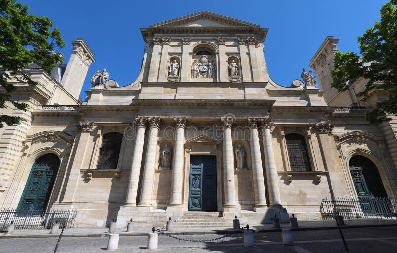 Красивый вид университета Sorbonne в Париже, Франции на солнечный день стоковое изображение