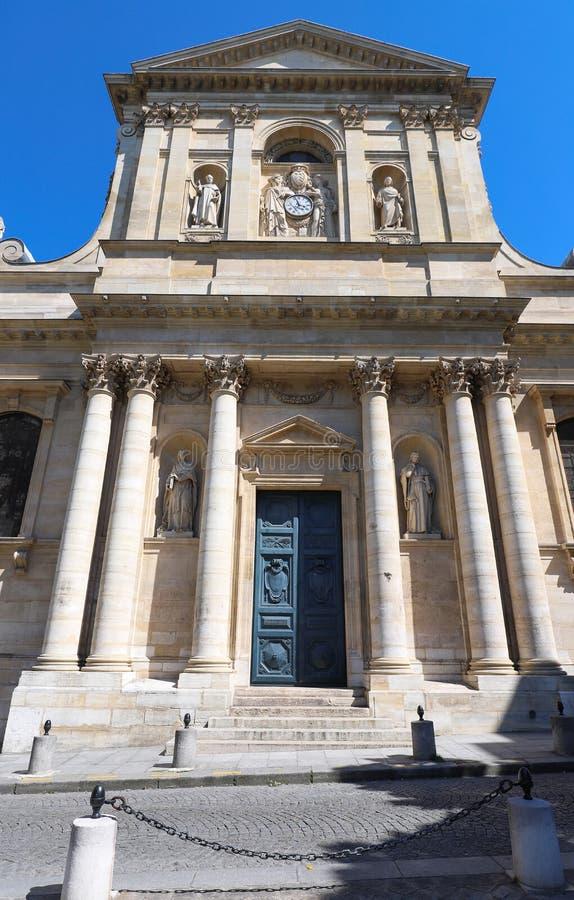 Красивый вид университета Sorbonne в Париже, Франции на солнечный день стоковая фотография