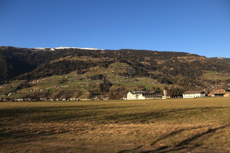 Красивый вид холмов в Австрии стоковые фото