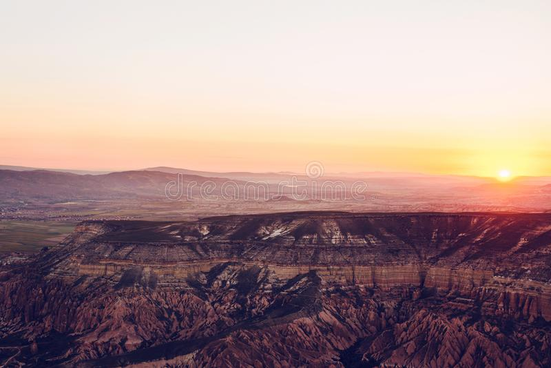 Красивый вид холмов Cappadocia Одно из визирований Турции Туризм, перемещение, красивые ландшафты, природа стоковые изображения rf