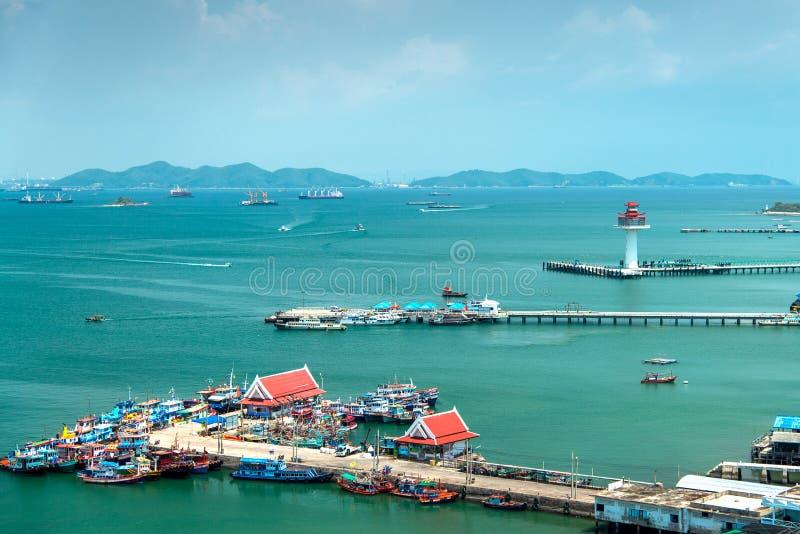 Красивый вид деревни и моря рыболова стоковая фотография rf