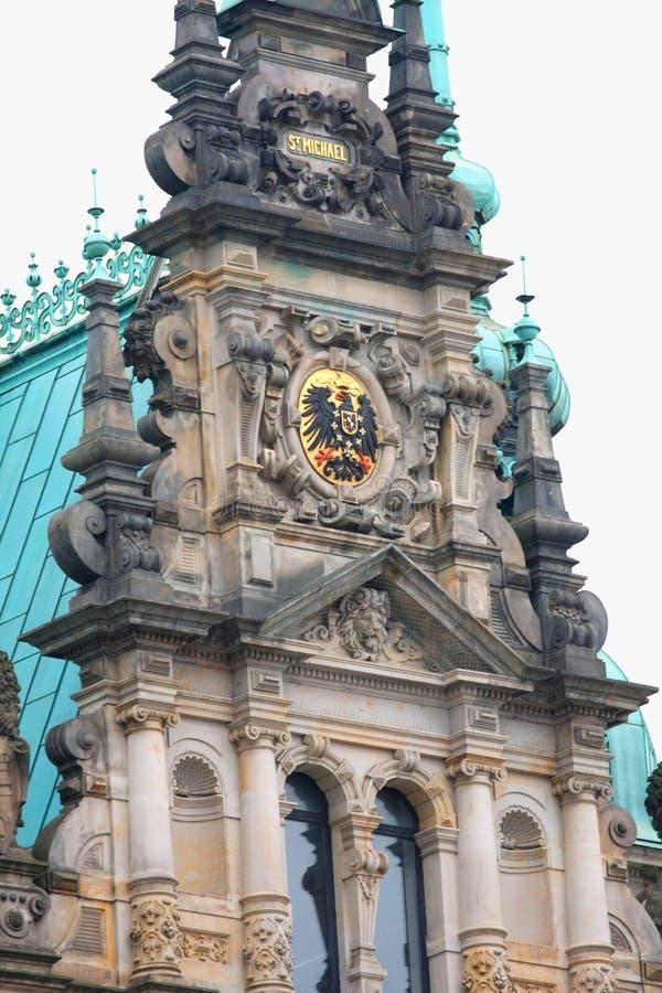 Красивый вид известной ратуши Гамбурга стоковое изображение rf