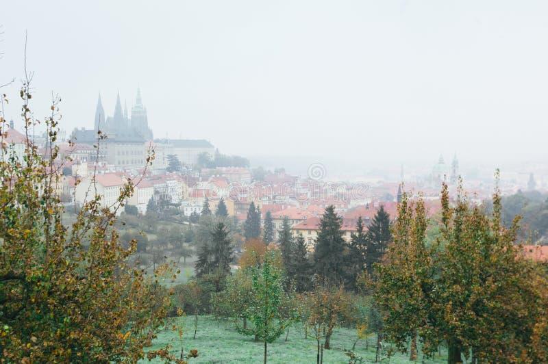 Красивый вид старого города Праги стоковое изображение rf