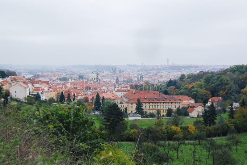 Красивый вид старого города Праги стоковые фотографии rf